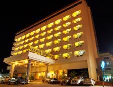โรงแรม โกลเด้น แกรนด์