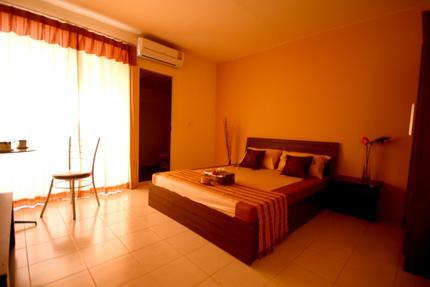 Bansuay Aparment&Hotel@Pranangklao