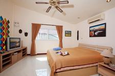 Nai Mueang Noi Pattaya