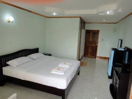 Baan Arisa Hotel
