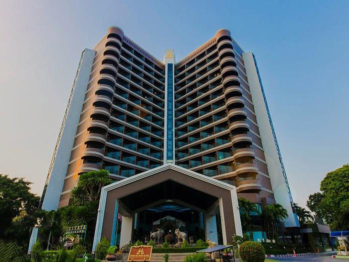 โรงแรมทาวน์ อินน์ ทาวน์