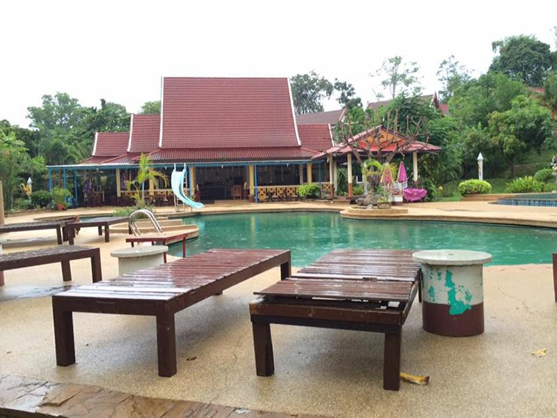 Holiday Villa Resort