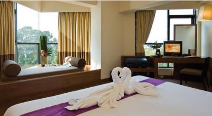 โรงแรม เดอะ ซีซันส์ พัทยา