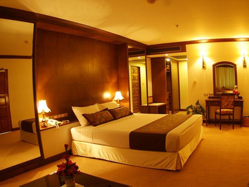 โรงแรม เดอะ ทวิน โลตัส