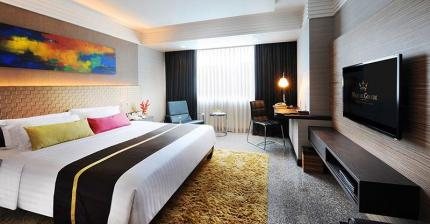 素坤逸皇家大酒店