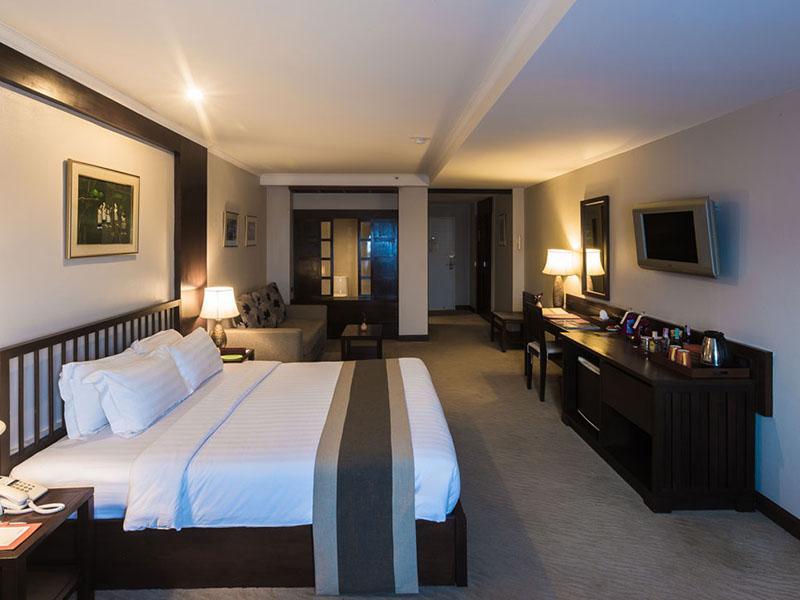 Suriwongse Hotel