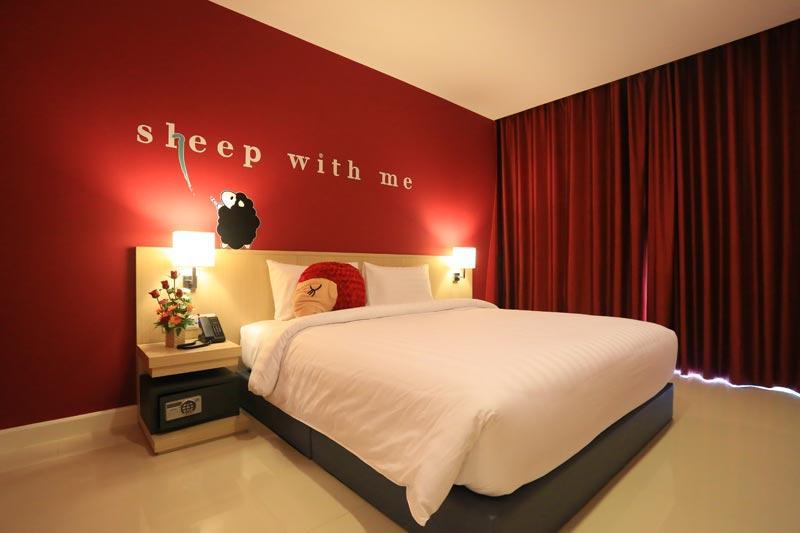 โรงแรมสลีพ วิธ มี ดีไซน์ โฮเทล แอท ป่าตอง