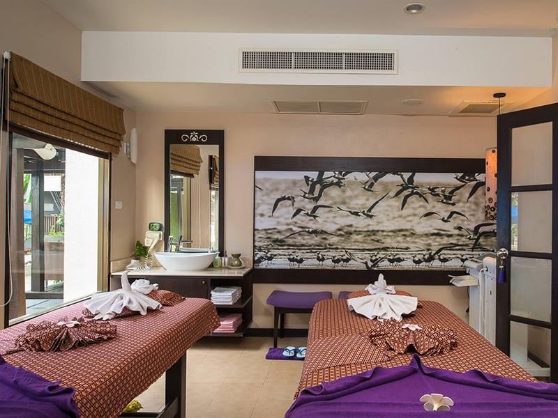 普吉岛德瓦纳普拉萨酒店