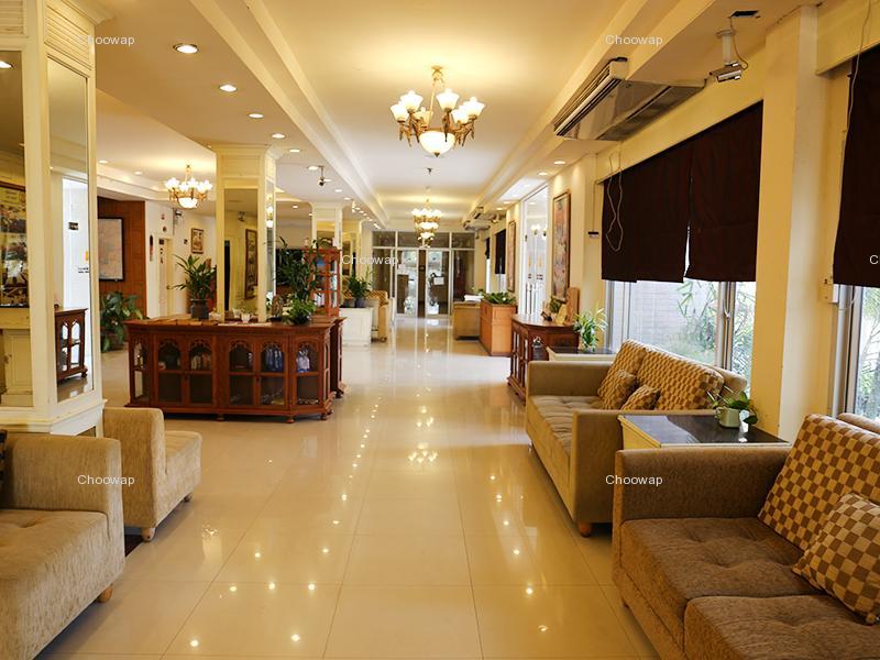 โรงแรมตักสิลาแกรนด์