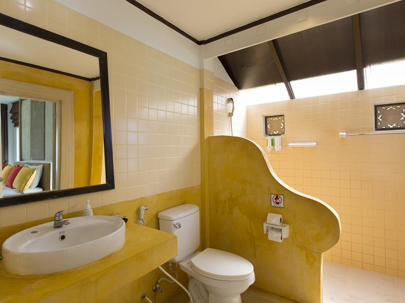Bay View Resort & Arayaburi Resort