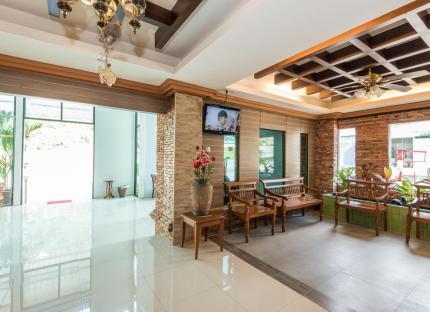 Circle Phuket Hotel
