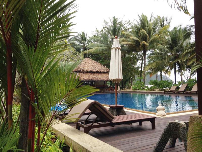 Khaolak Paradise Resort находится на южной оконечности побережья, прилегающих к национальному парку.