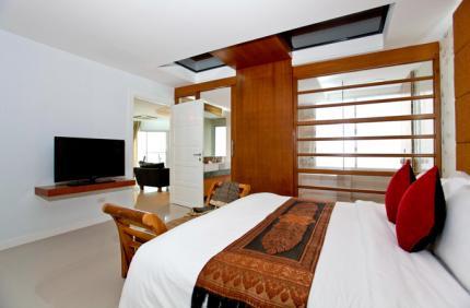 โรงแรม รอยัลบีชวิว