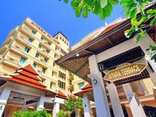 芭堤雅爱雅拉宫殿酒店