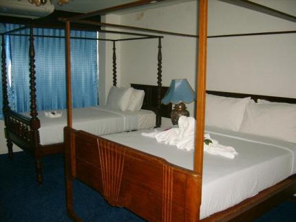 โรงแรม ศิรินาถ การ์เด้นท์