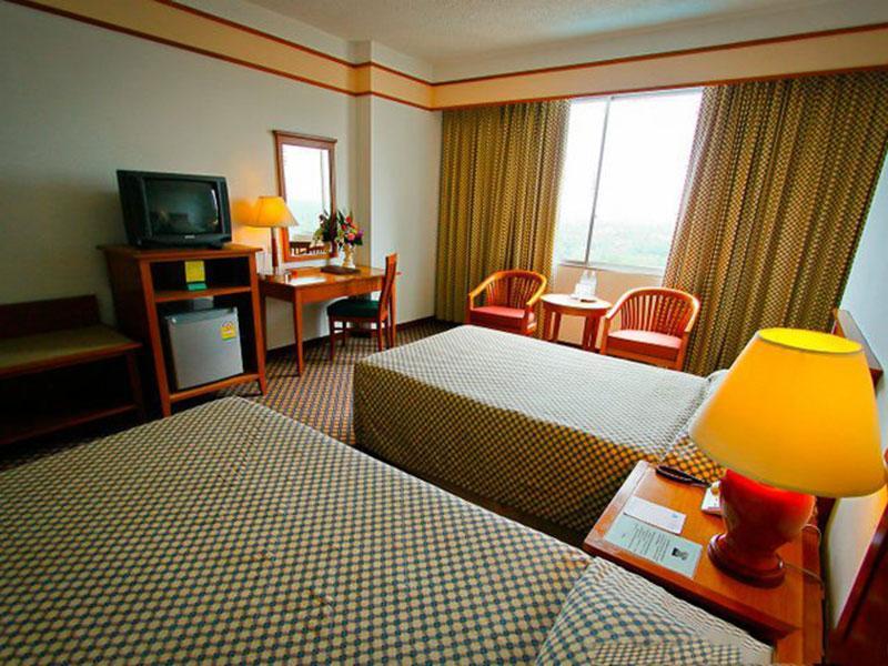 โรงแรมไดมอนด์ พลาซ่า