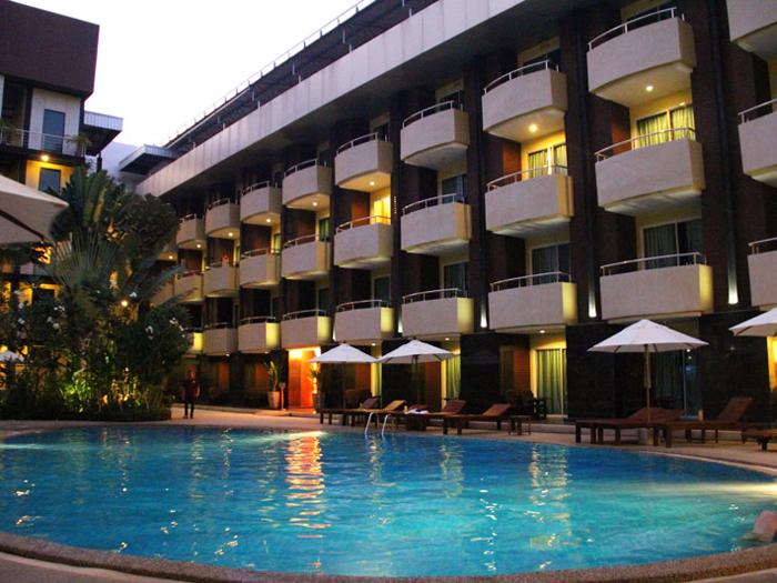 โรงแรม บารอน บีช