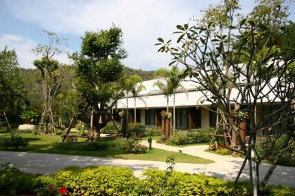 Phuwanalee Resort