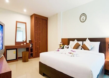 Deva Patong Suites Hotel