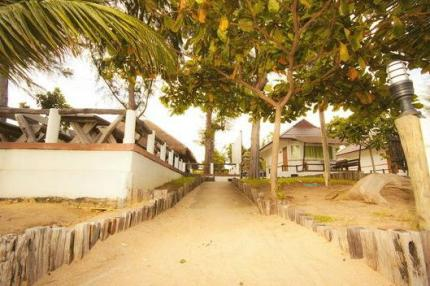 Rattanapura Beach Resort