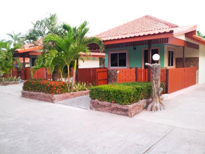 Phromlikhit SawhanBandal Resort