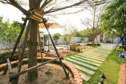 Costa Village