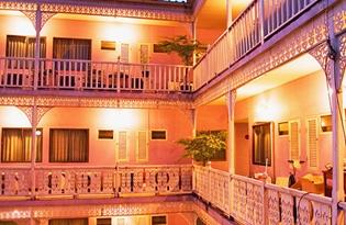 曼谷萨瓦迪酒店