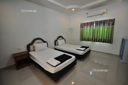 Baanrimnam Resort Banpong