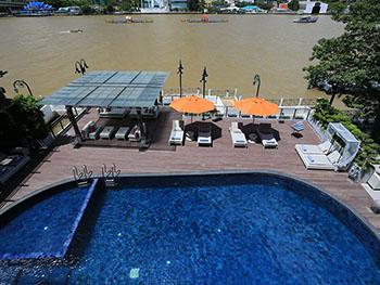 曼谷里瓦苏里亚酒店