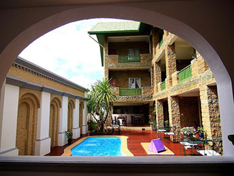 โรงแรมเดอะคาสเซิ่ล