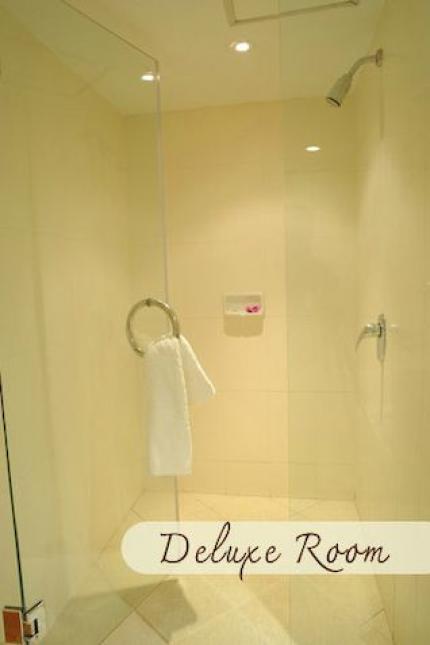 โรงแรมนิวซีซั่น