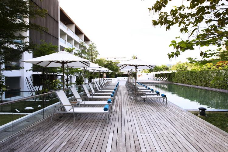 โรงแรม เดอะ ซี ป่าตอง
