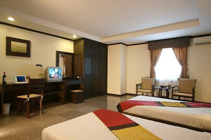 โรงแรม รอยัล พรรณราย