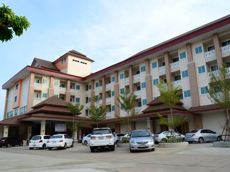 โรงแรมบุษน้ำทอง
