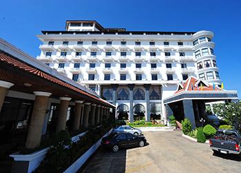 Lomsak Nattirat Grand Hotel