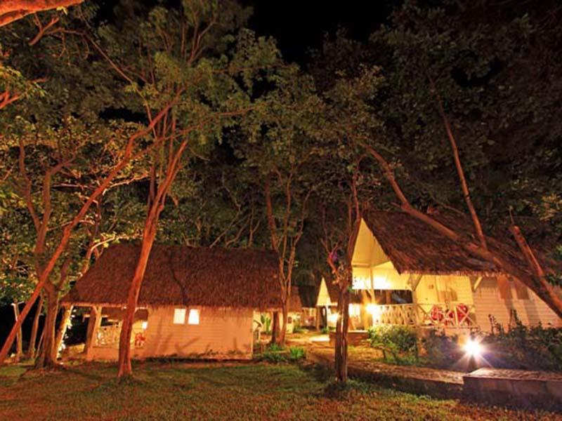 บ้านสับปะรด