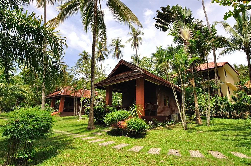 Baan Mai Cottages & Restaurant