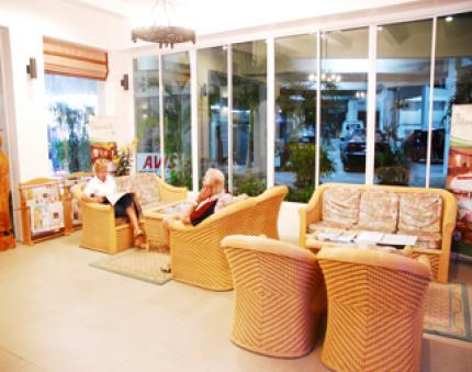 타나윗 호텔 & 스파