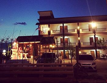 莱府河风景区酒店