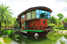 Kaengkrachan Boathouse Paradise