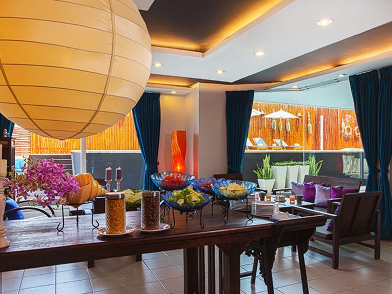 Hua Hin Colonnade Hotel