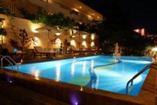 벨라 빌라 메트로 호텔