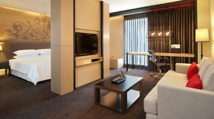 โรงแรมโฟร์พอยต์ บายเชอราตัน กรุงเทพฯ สุขุมวิท 15