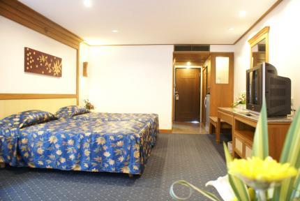 โรงแรม รอยัล ทวินส์ พาเลซ