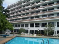 チャルンホテル