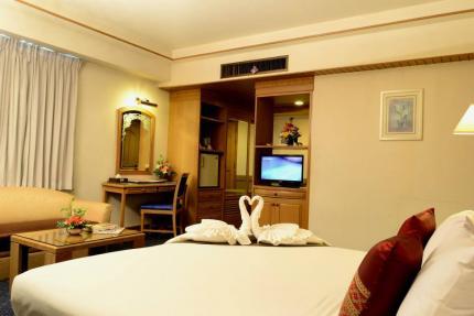 โรงแรมบอสโซเทล อินน์