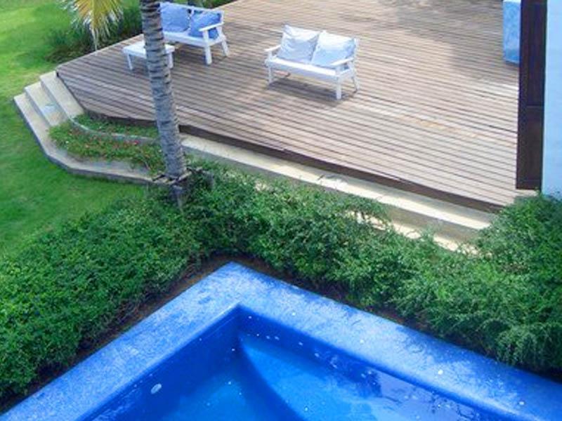 Brassiere Beach Resort