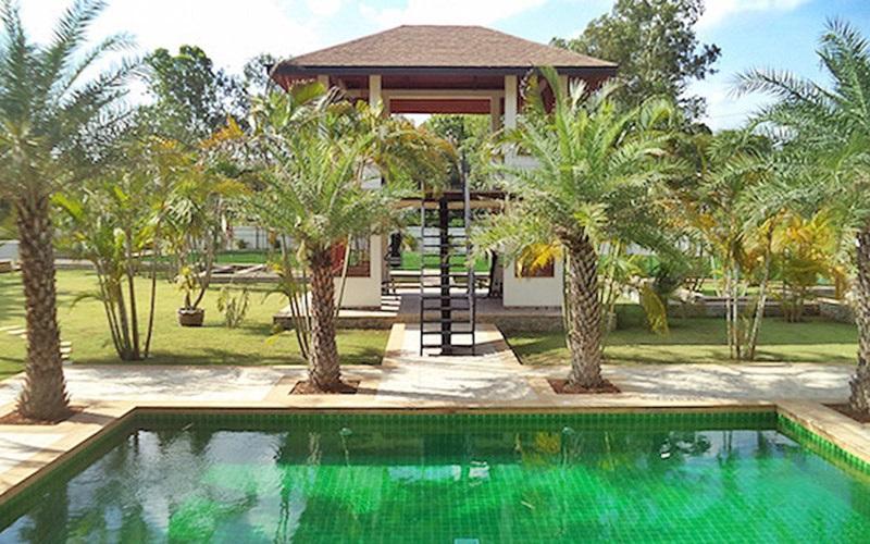Phoenix Lakeside Pool Villas