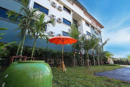 Gem Tree Hotel