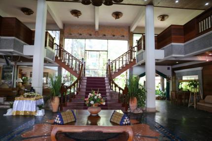 โรงแรมร้อยเกาะ